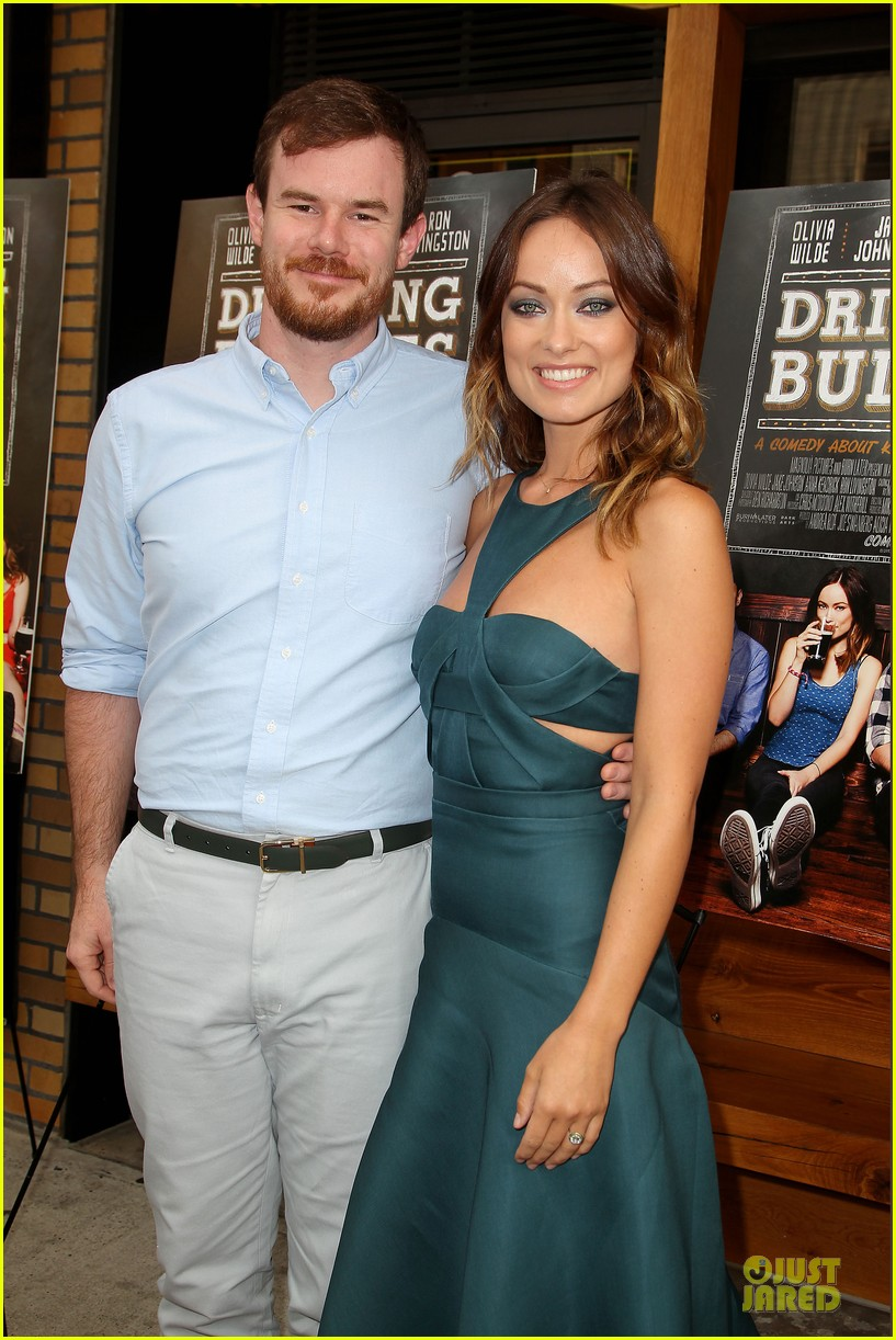 olivia wilde drinking buddies nyc screening 042933624