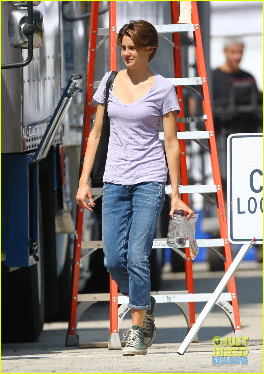 shailene woodley fault in our stars first set photos 052940180