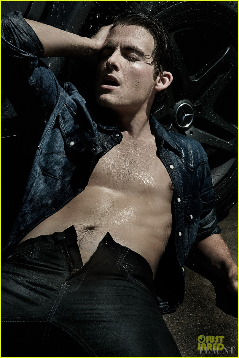 kevin zegers shirtless for flaunt dye issue 012936325