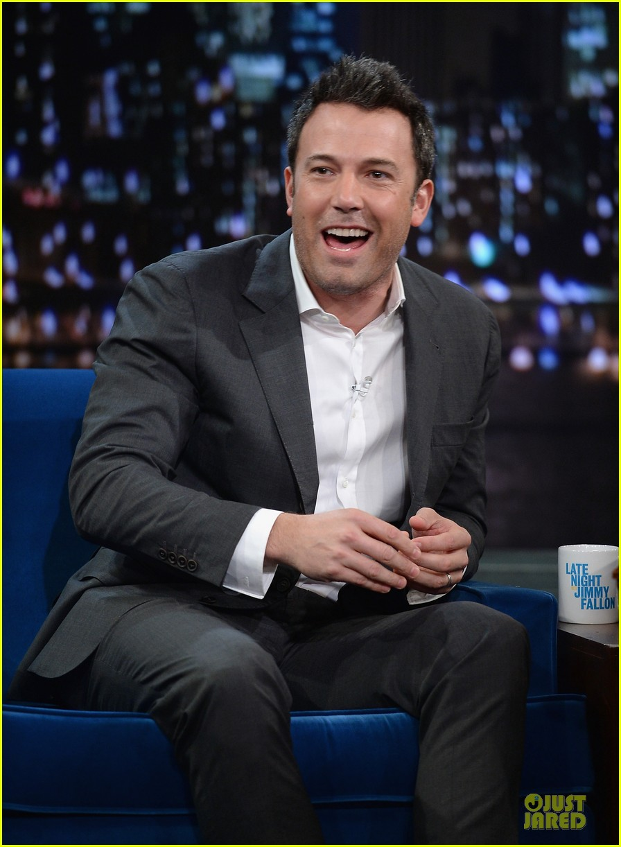 ben affleck mindy kaling late night with jimmy fallon guests 022953844