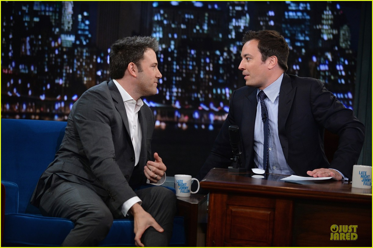 ben affleck mindy kaling late night with jimmy fallon guests 092953851