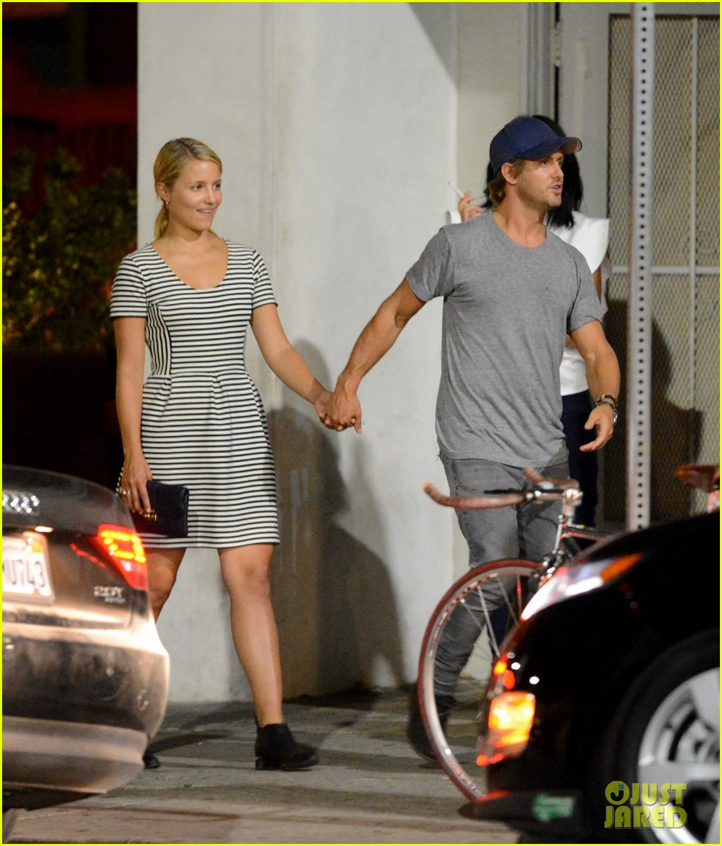 dianna agron dines with nick mathers at his restaurant 01