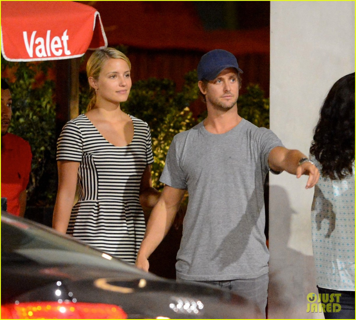 dianna agron dines with nick mathers at his restaurant 042946485