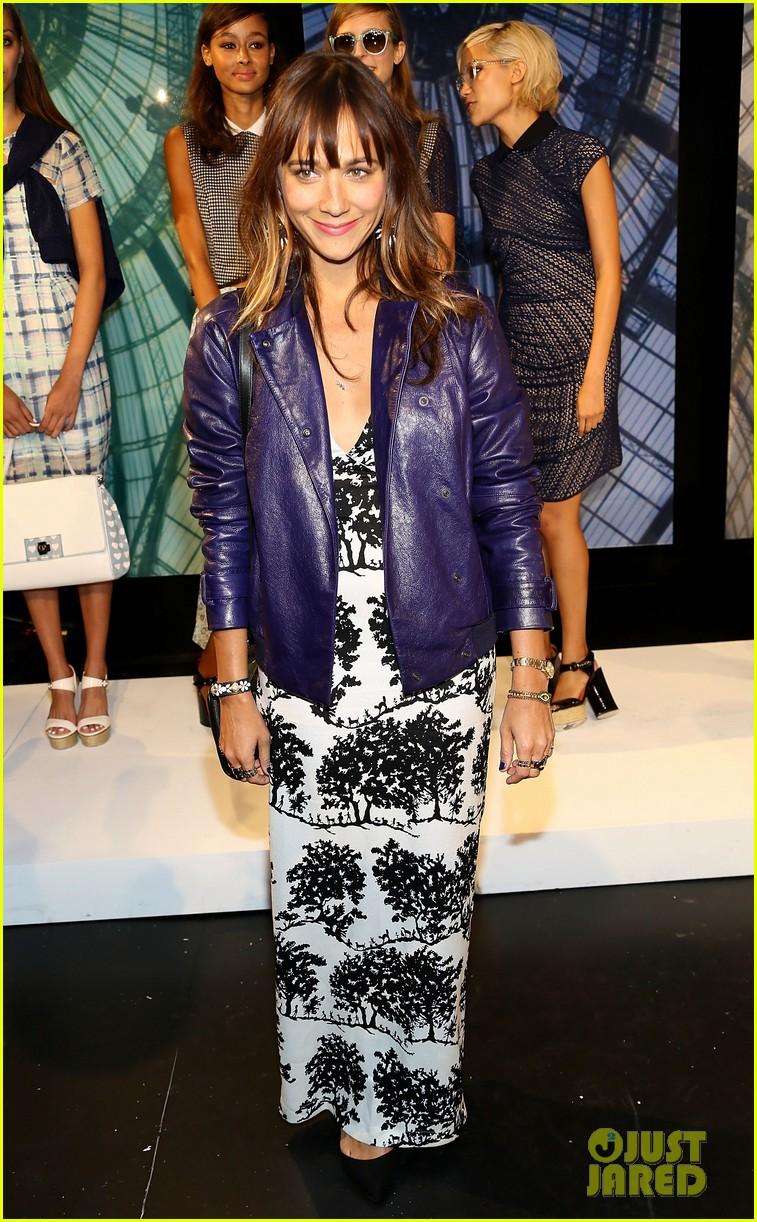 jessica alba rashida jones charlotte ronson fashion show 032946659