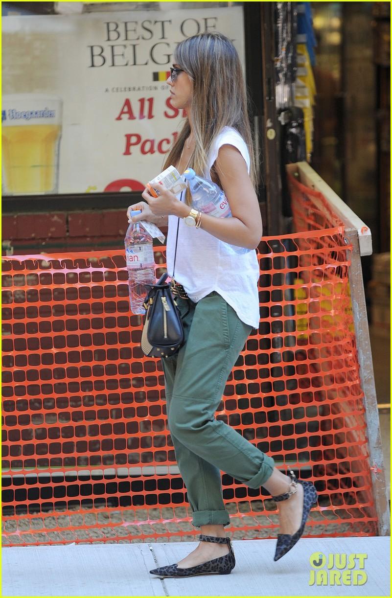 jessica alba rashida jones charlotte ronson fashion show 282946684