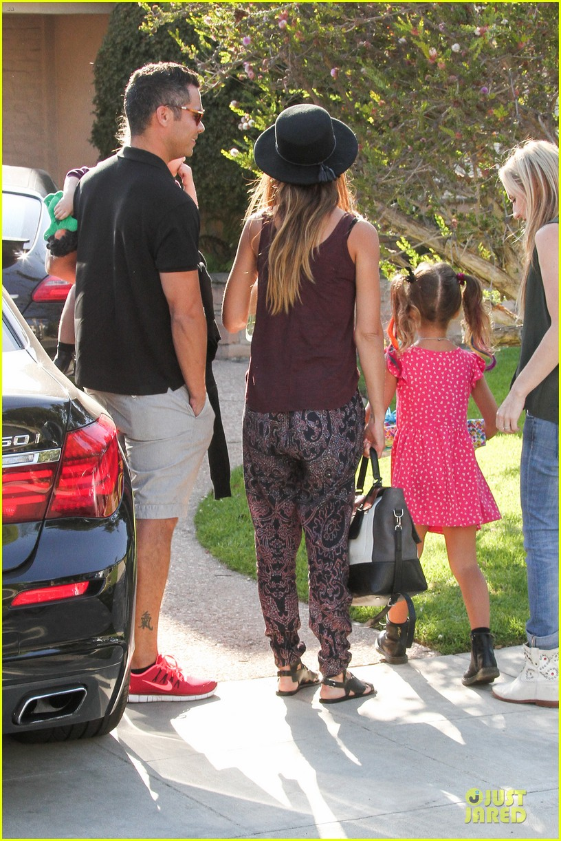jessica alba farmers market fun with family after nyfw 182953663