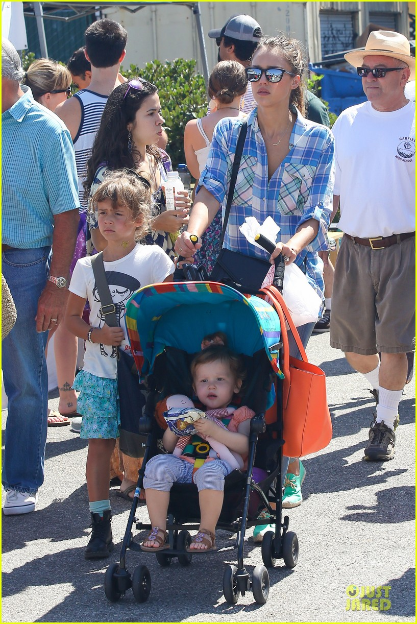 jessica alba farmers market fun with family after nyfw 272953672
