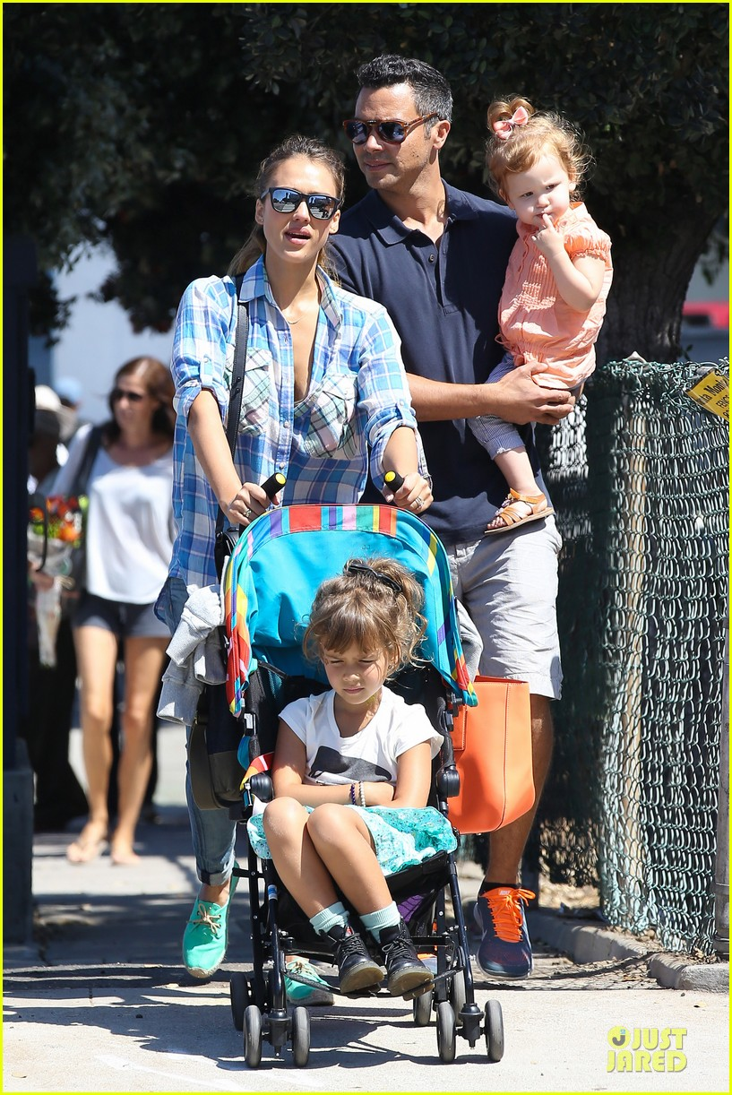 jessica alba farmers market fun with family after nyfw 312953676