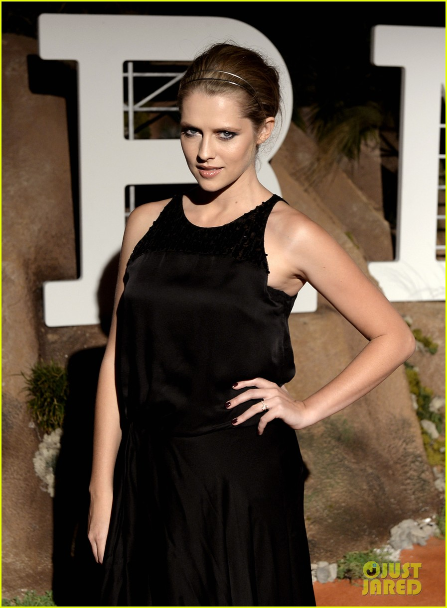 jessica alba teresa palmer hermes boutique opening after party 102943473