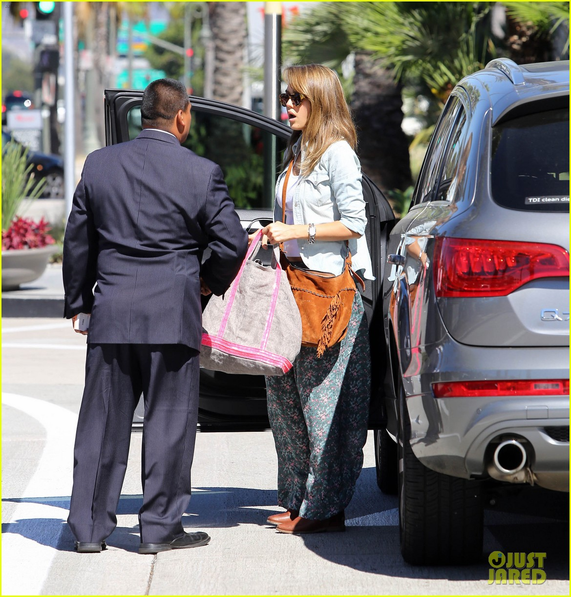 jessica alba sunday mall stop 172962823