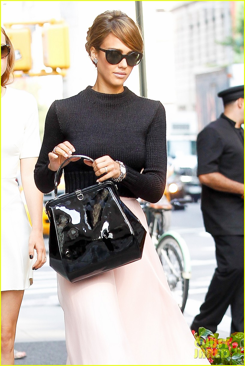 jessica alba nyc exit after ralph lauren fashion show 122951248