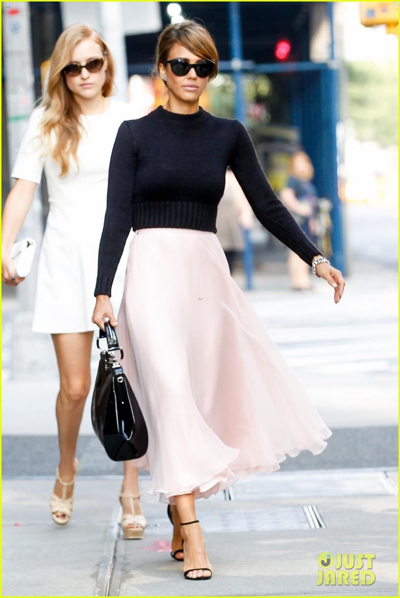 jessica alba nyc exit after ralph lauren fashion show 182951254