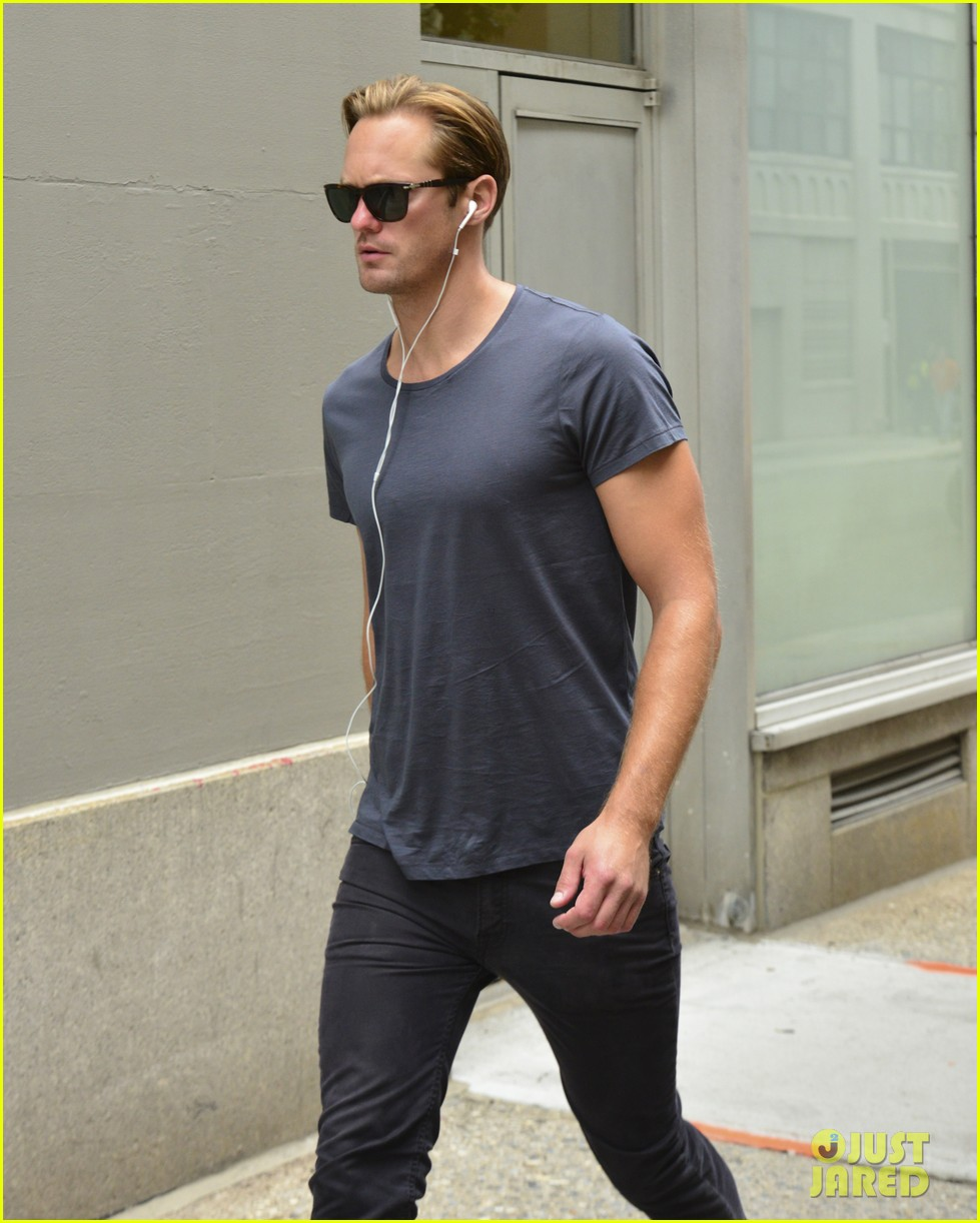 alexander skarsgard headed to south pole with prince harry for charity 022951520