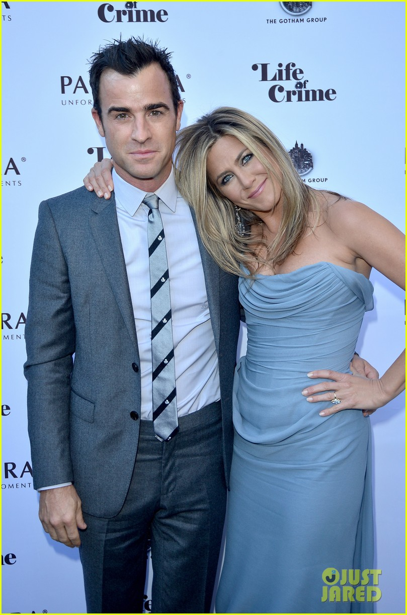 jennifer aniston life of crime cocktails with justin theroux 092952463