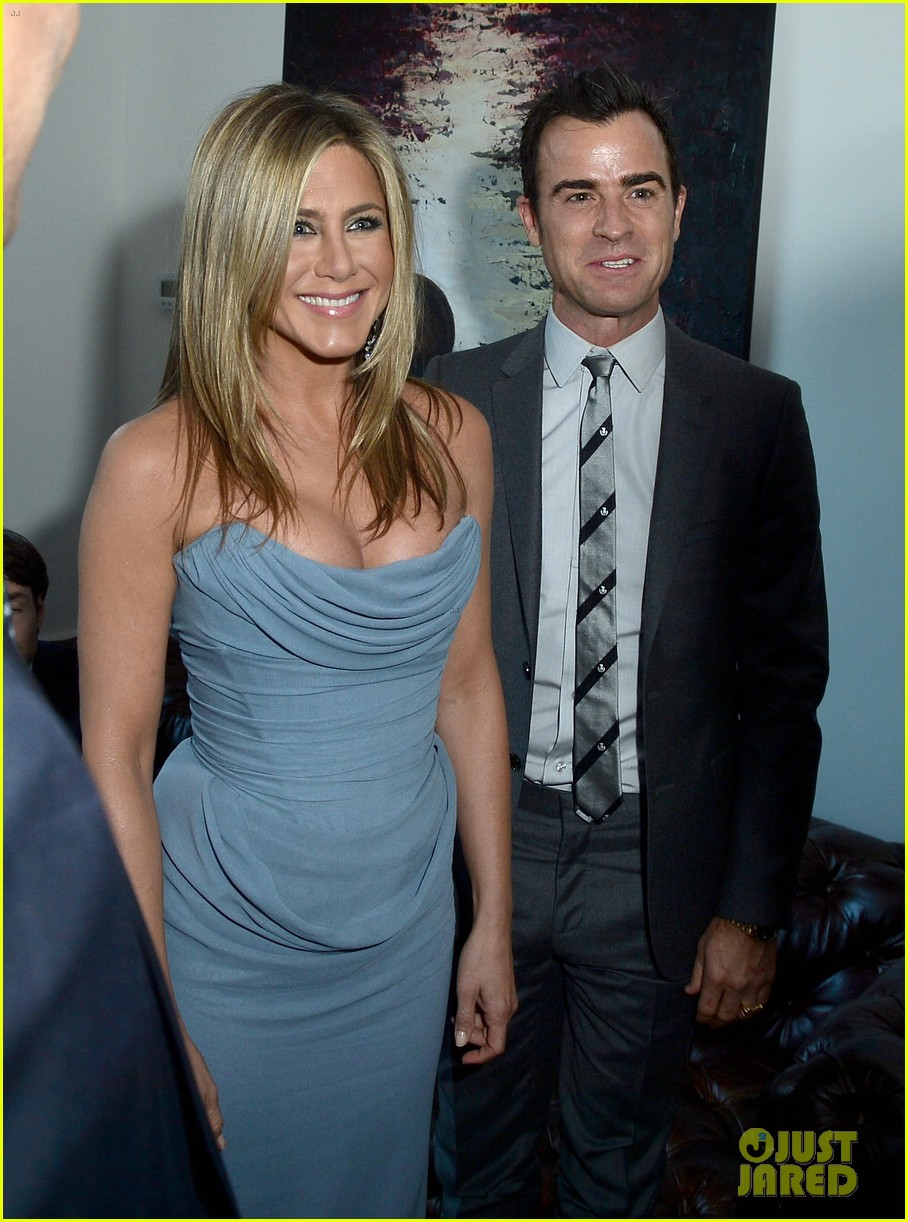 jennifer aniston life of crime cocktails with justin theroux 172952471