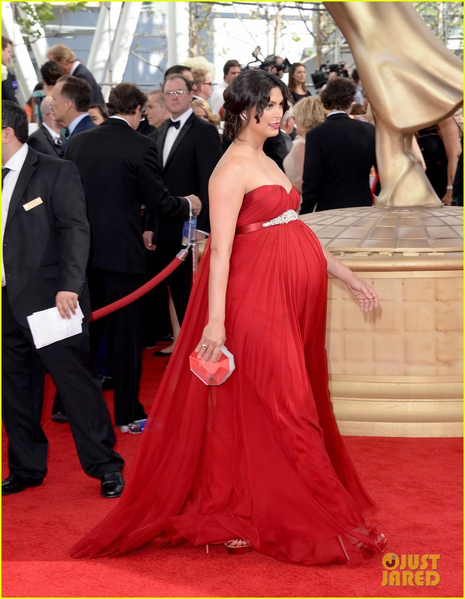 pregnant morena baccarin emmys 2013 red carpet 032957999