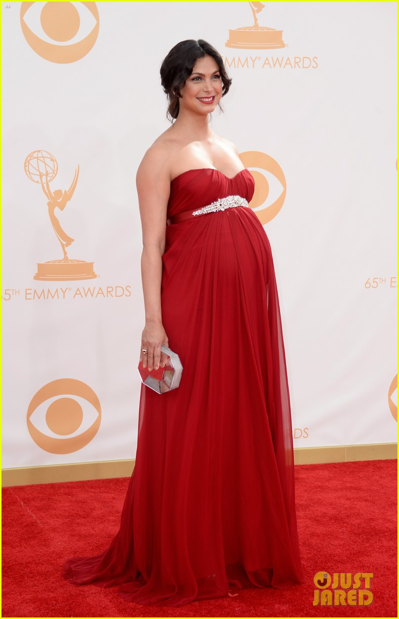 pregnant morena baccarin emmys 2013 red carpet 092958005