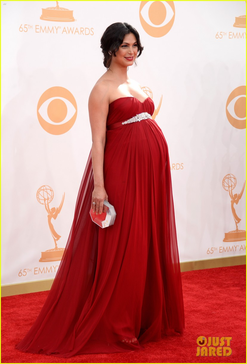 pregnant morena baccarin emmys 2013 red carpet 102958006