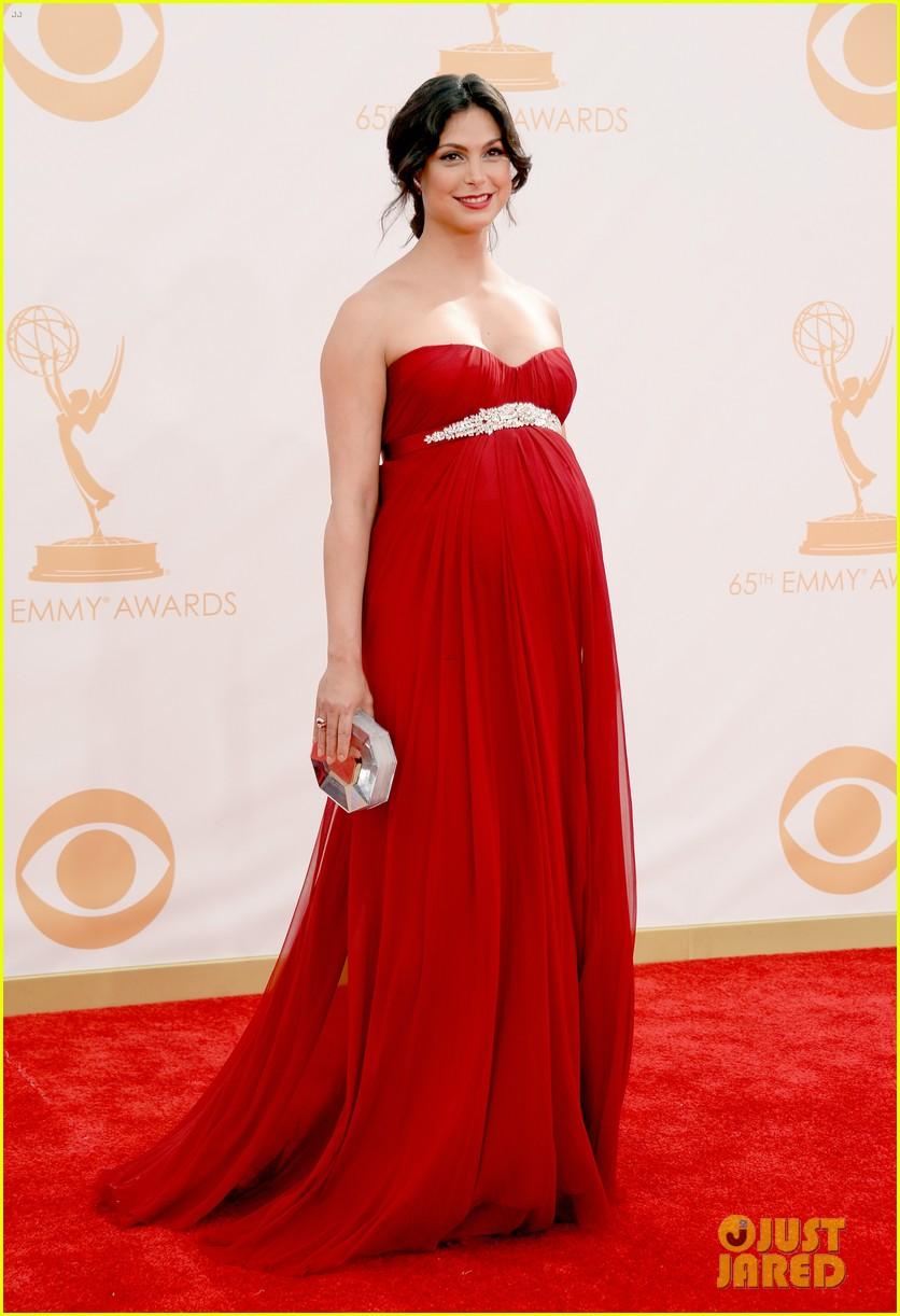 pregnant morena baccarin emmys 2013 red carpet 112958007