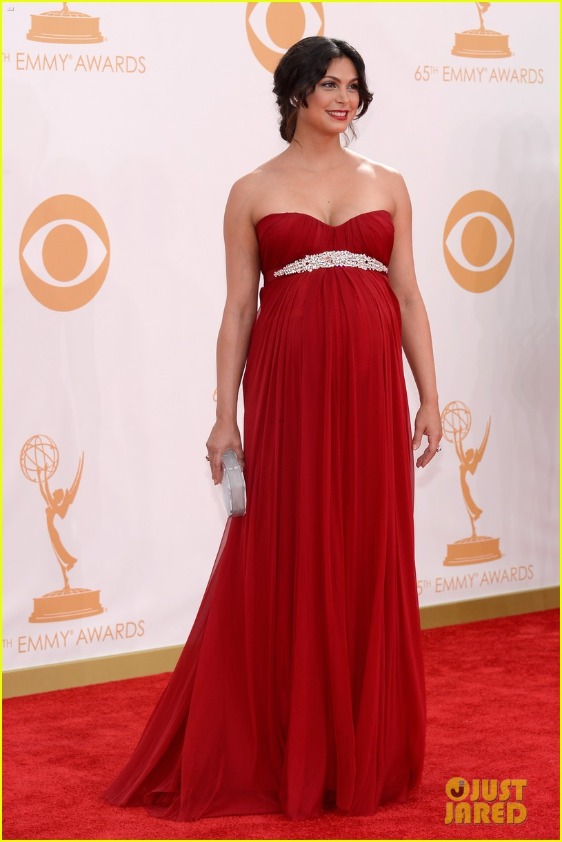 pregnant morena baccarin emmys 2013 red carpet 142958010