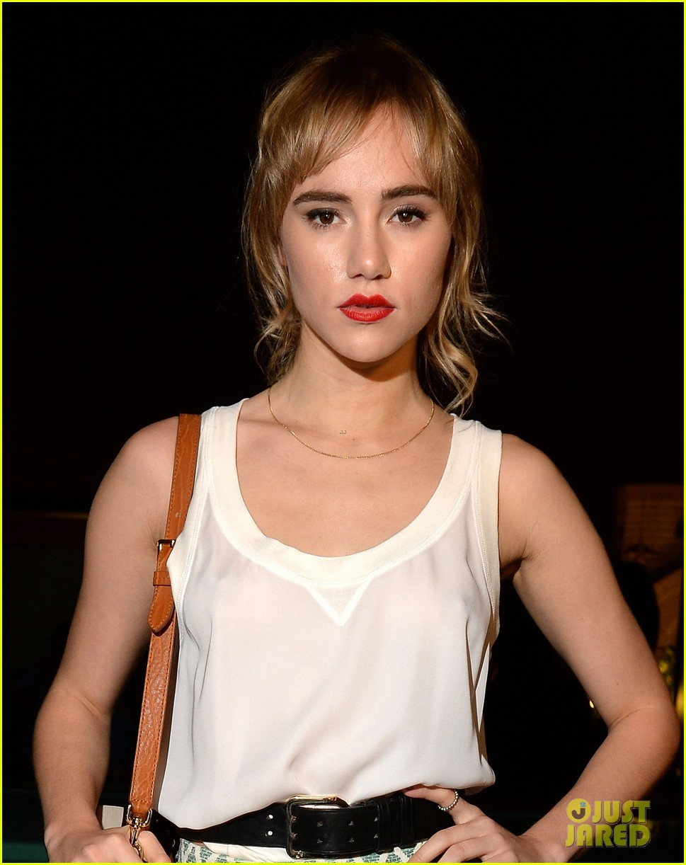 ireland baldwin suki waterhouse dsquared2 cocktail party 022955606