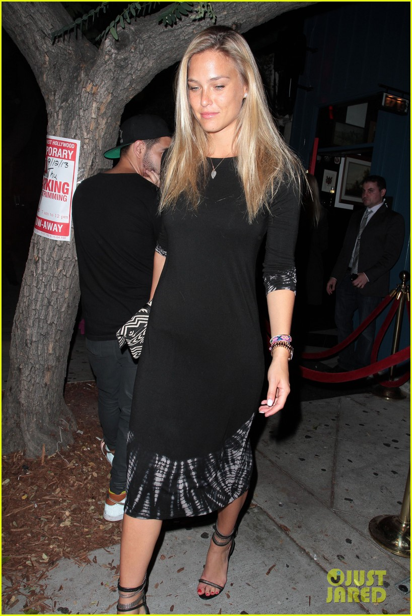 bar refaeli ashlee simpson hooray henry night out 012950794
