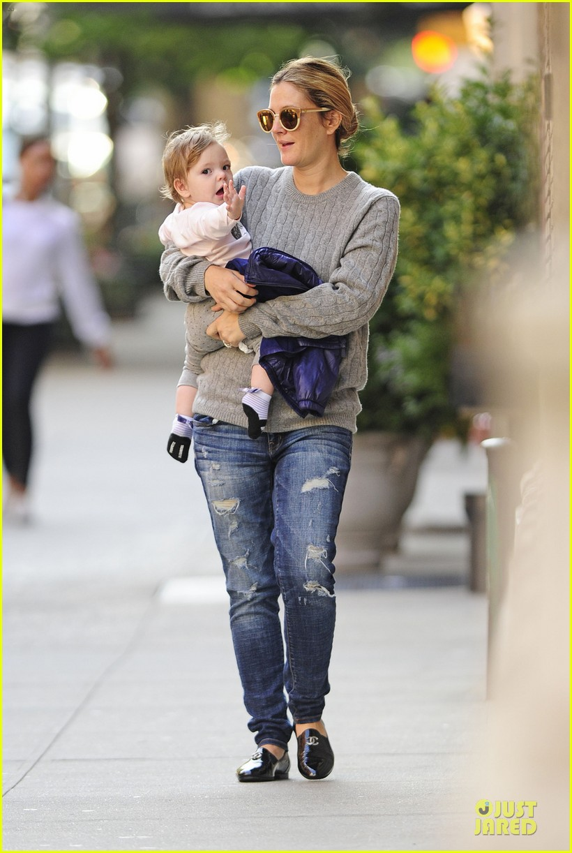 drew barrymore carries olive before nyc ballet gala 012956380