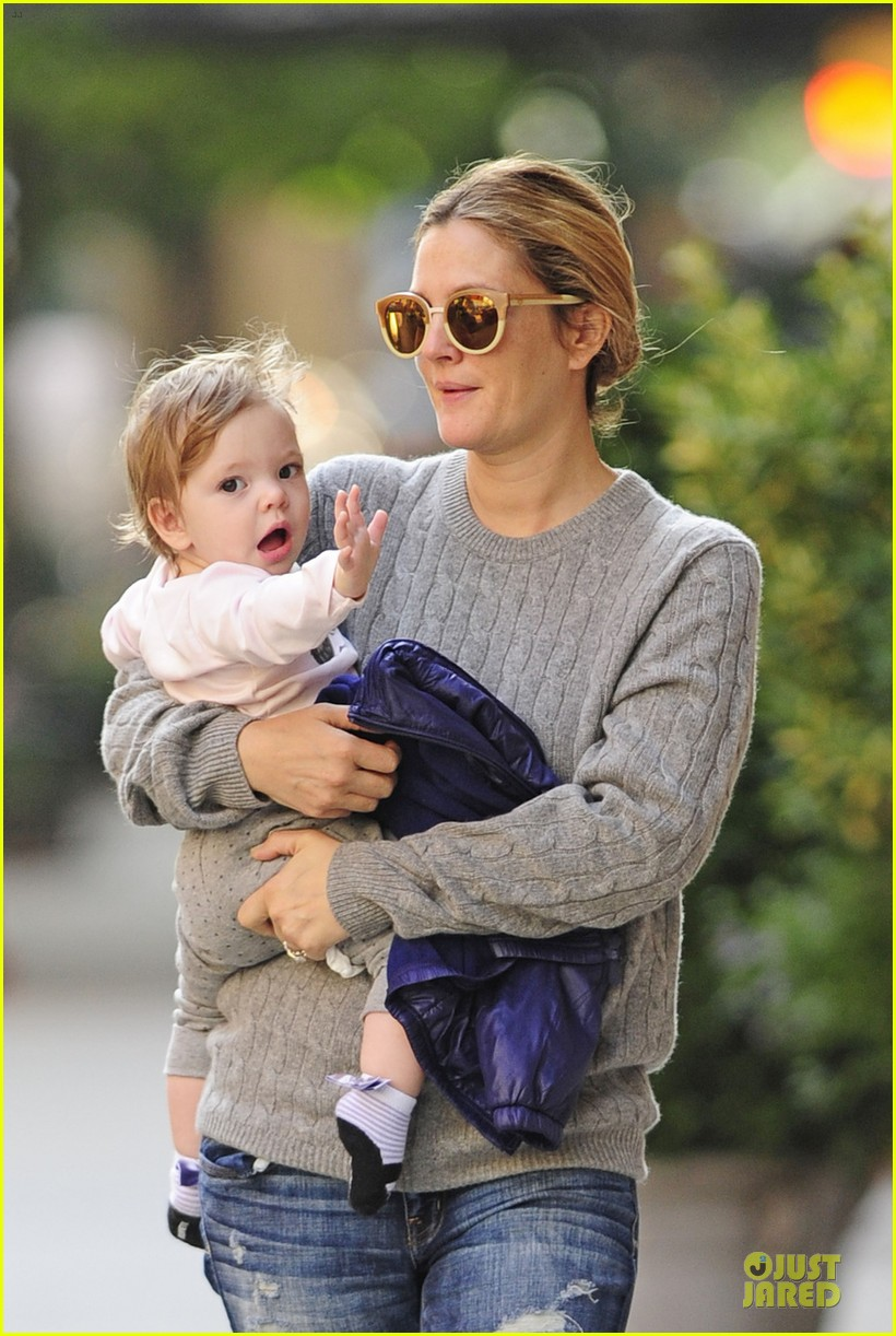 drew barrymore carries olive before nyc ballet gala 042956383