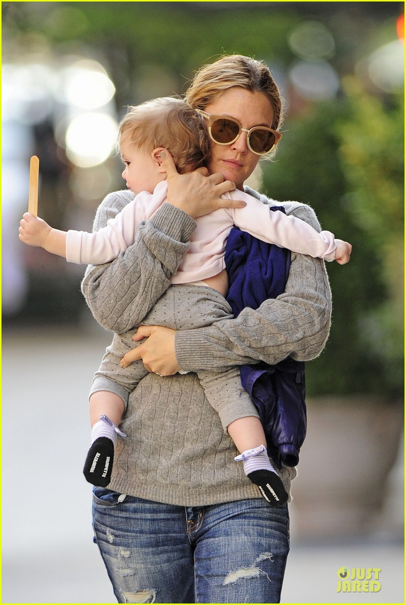 drew barrymore carries olive before nyc ballet gala 052956384