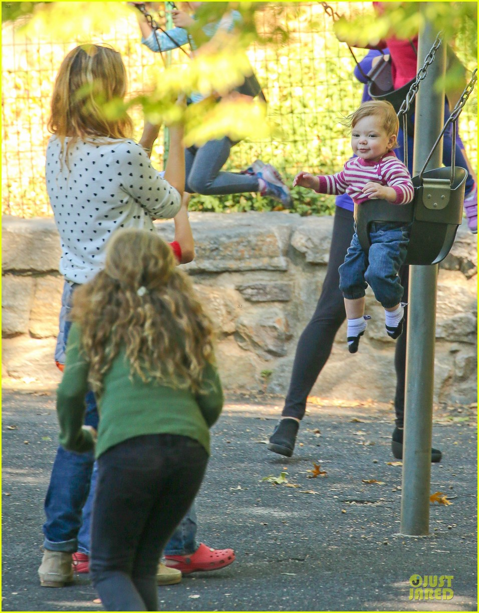 drew barrymore will kopelman central park fun with olive 122962224