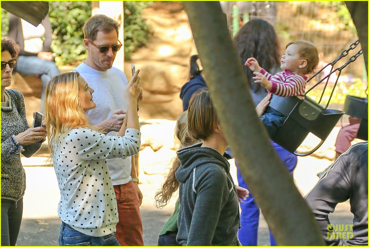 drew barrymore will kopelman central park fun with olive 182962230