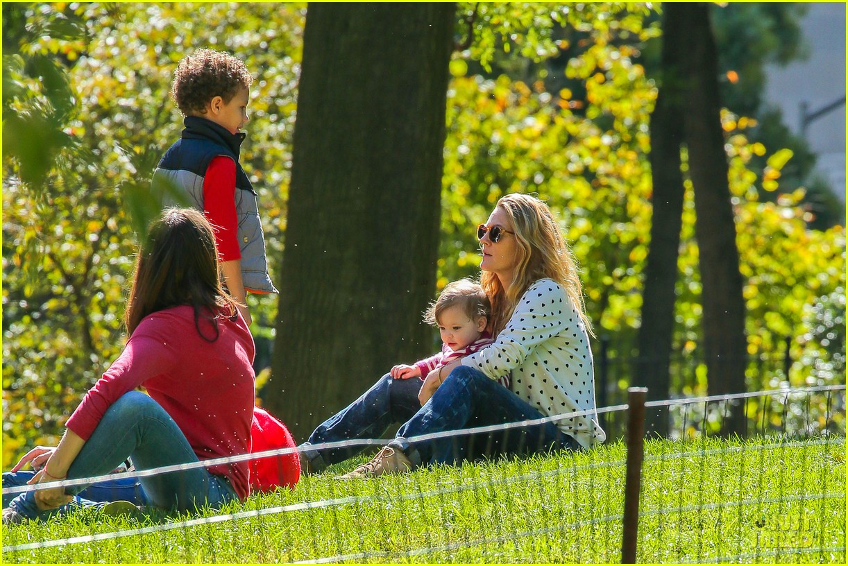 drew barrymore will kopelman central park fun with olive 242962236