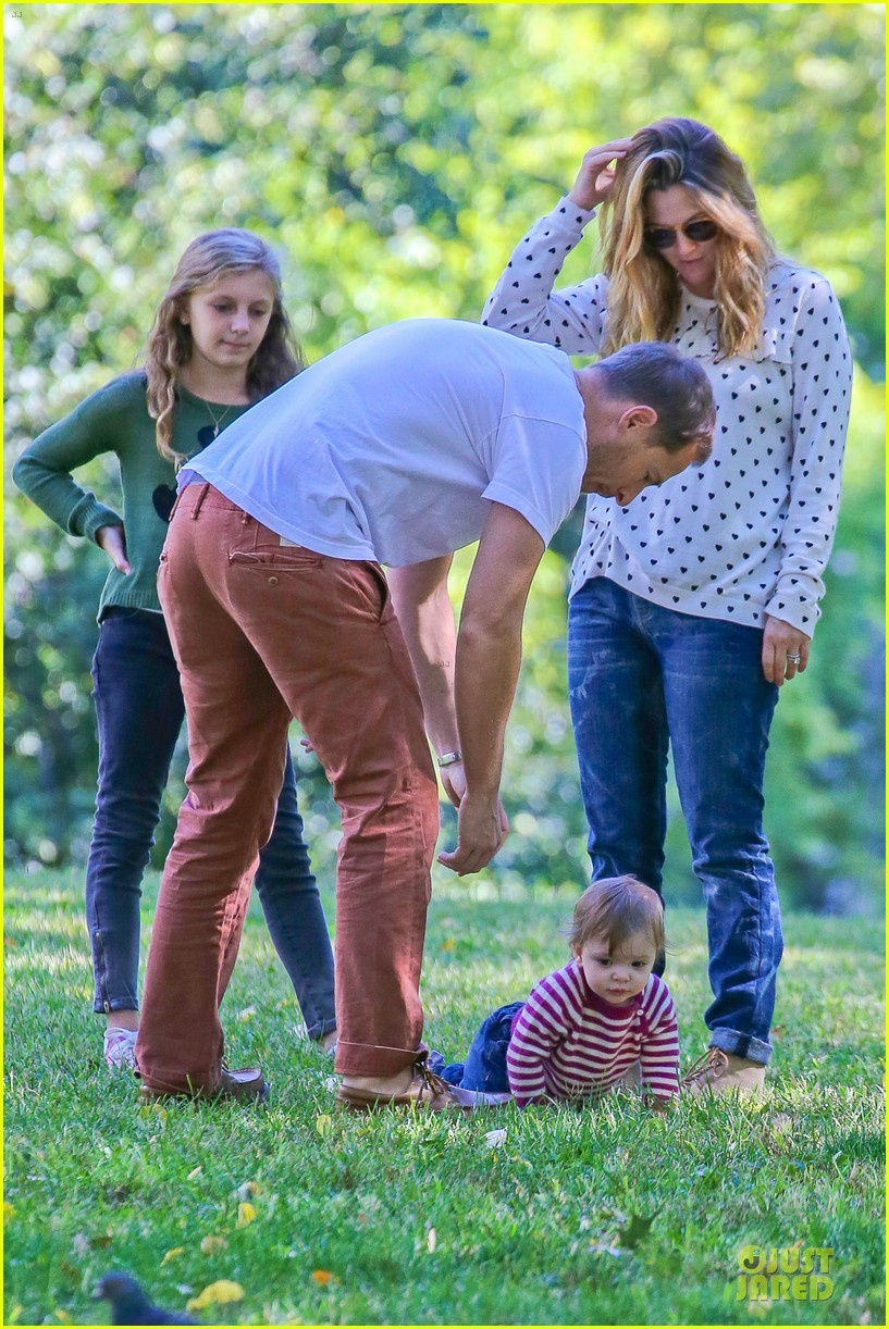 drew barrymore will kopelman central park fun with olive 252962237
