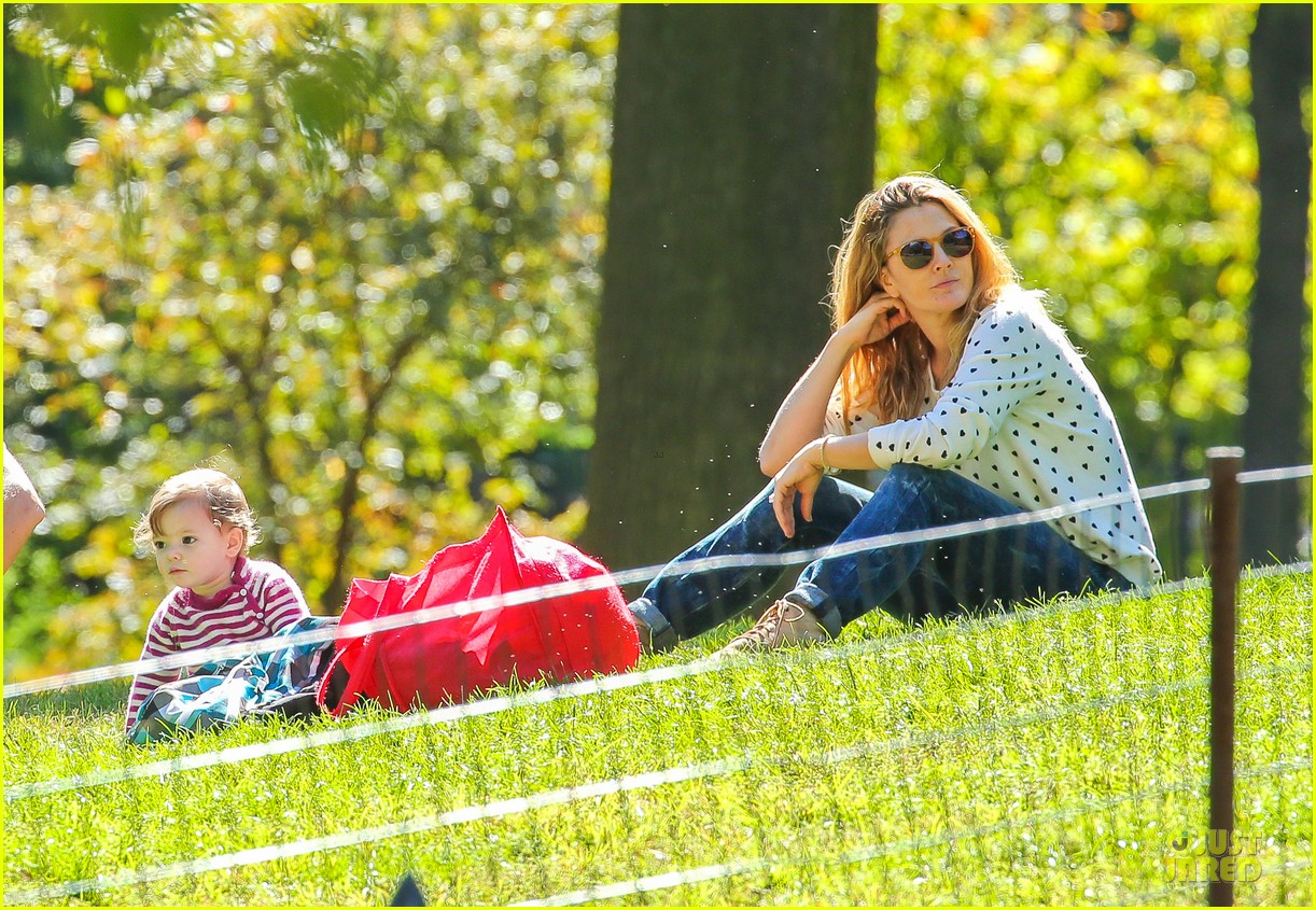 drew barrymore will kopelman central park fun with olive 272962239