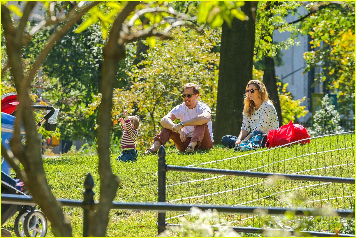 drew barrymore will kopelman central park fun with olive 282962240