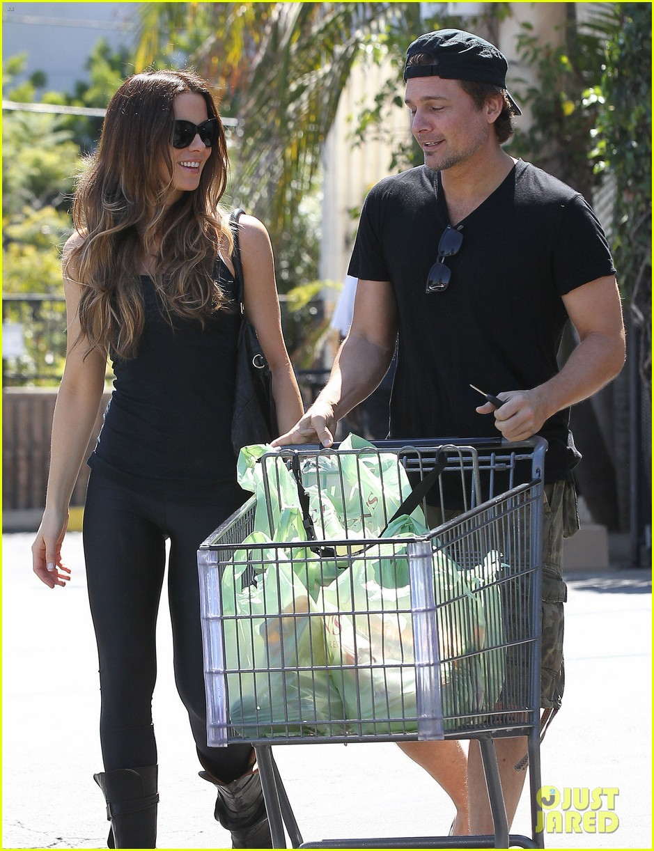 kate beckinsale len wiseman get groceries at gelsons 052954042