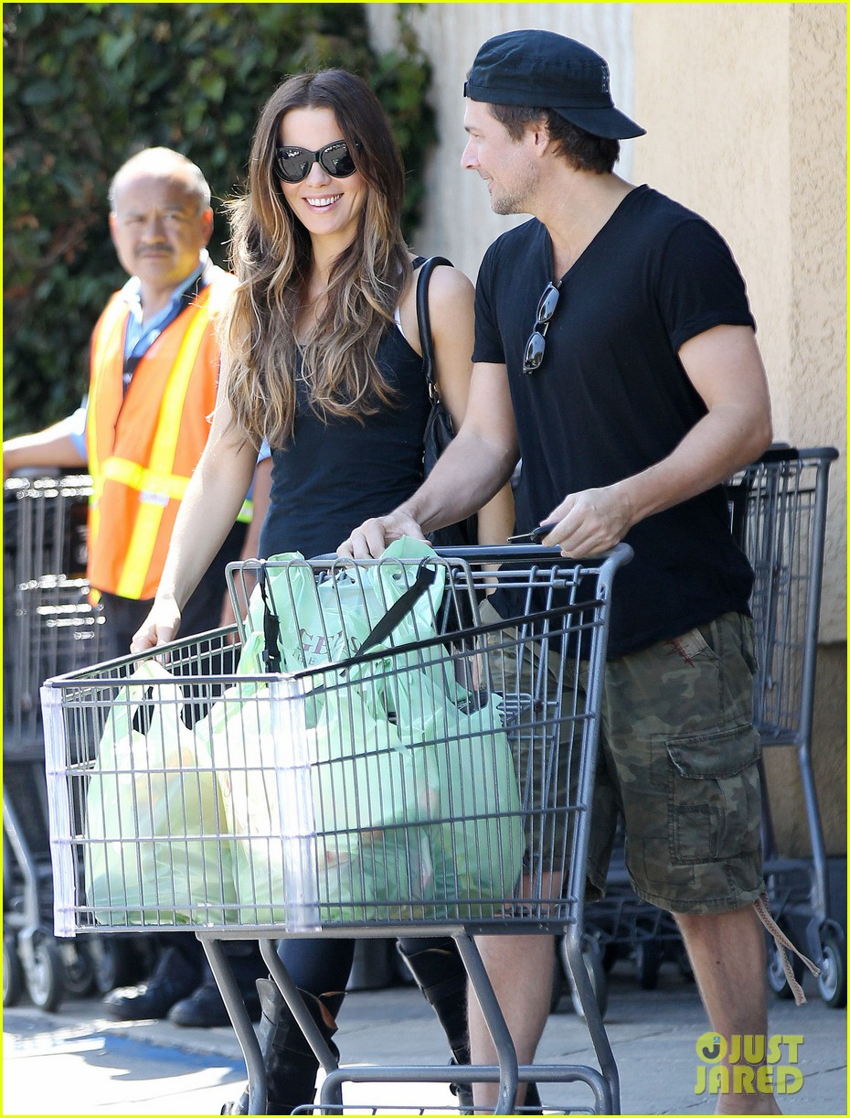 kate beckinsale len wiseman get groceries at gelsons 102954047