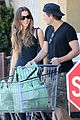kate beckinsale len wiseman get groceries at gelsons 02