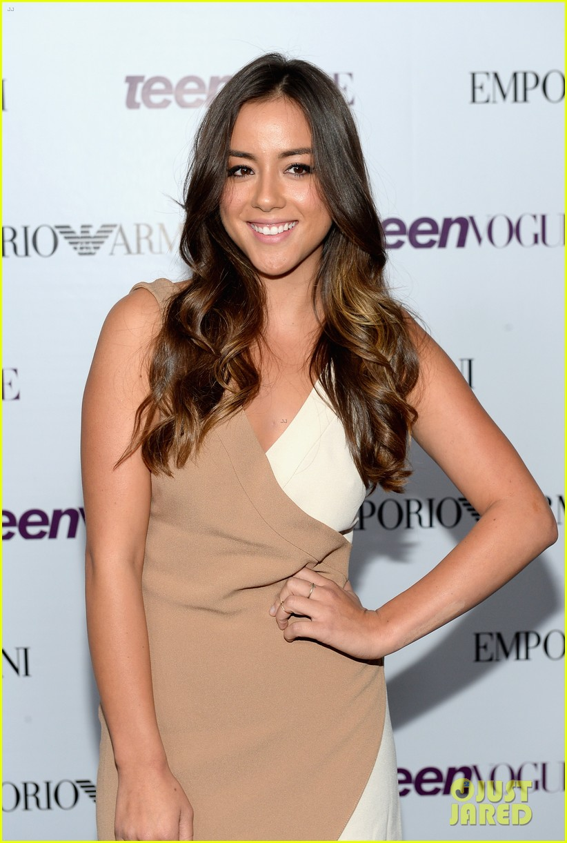 chloe bennet dom sherwood young hollywood party 2013 06