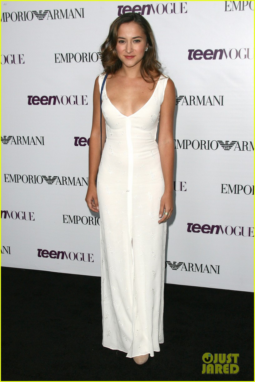 chloe bennet dom sherwood young hollywood party 2013 092961761
