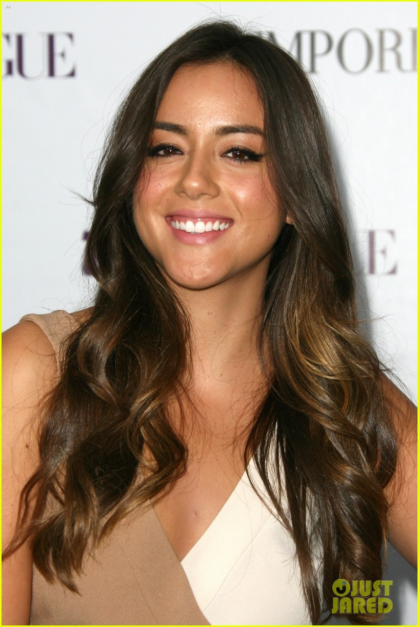 chloe bennet dom sherwood young hollywood party 2013 262961778