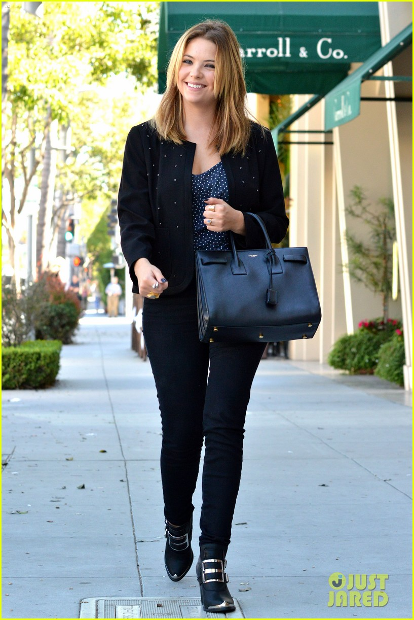 ashley benson grabs lunch with manager thor bradwell 012944064