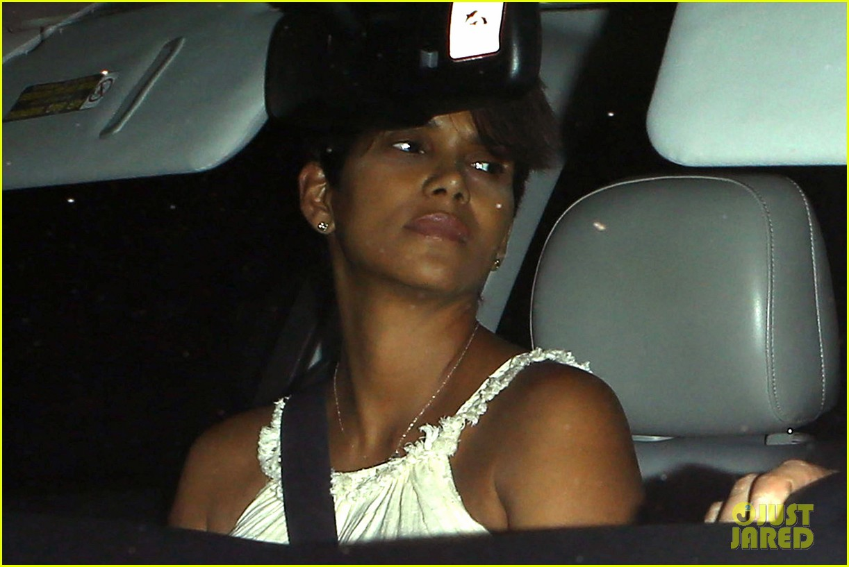 halle berry releases statement about anti paparazzi law 042960956