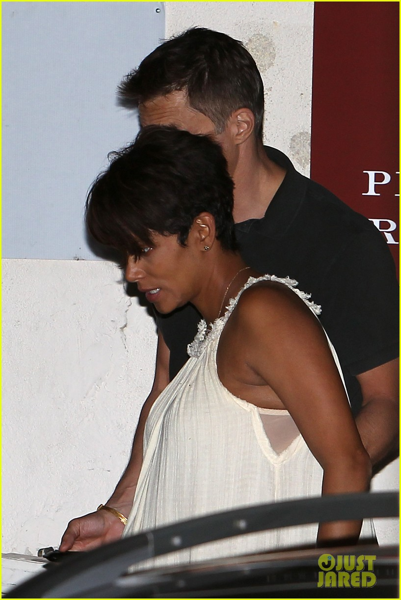 halle berry releases statement about anti paparazzi law 09