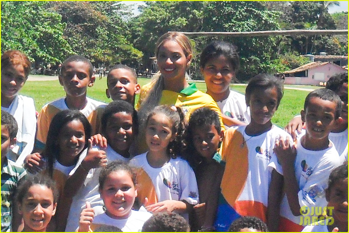 beyonce shows off soccer skills at brazil public school 062954235