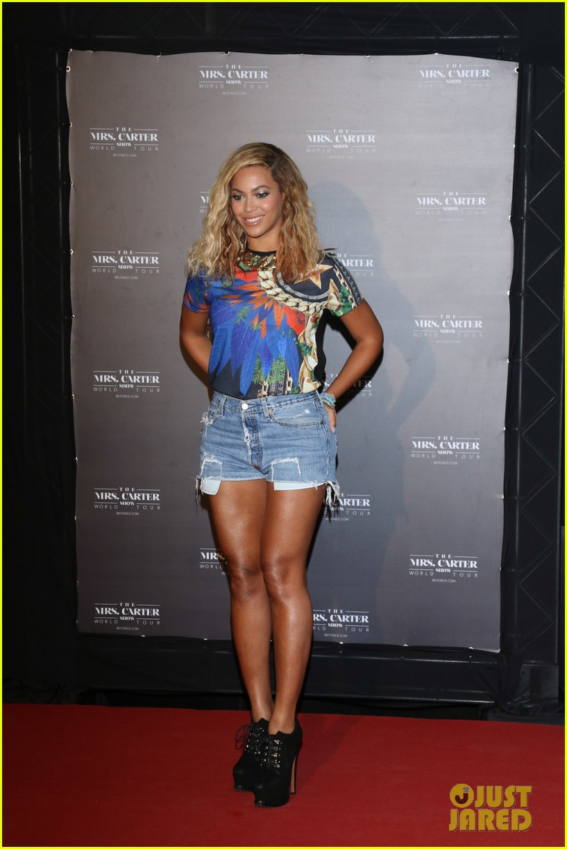 beyonce mrs carter tour brazil press conference show 032947568