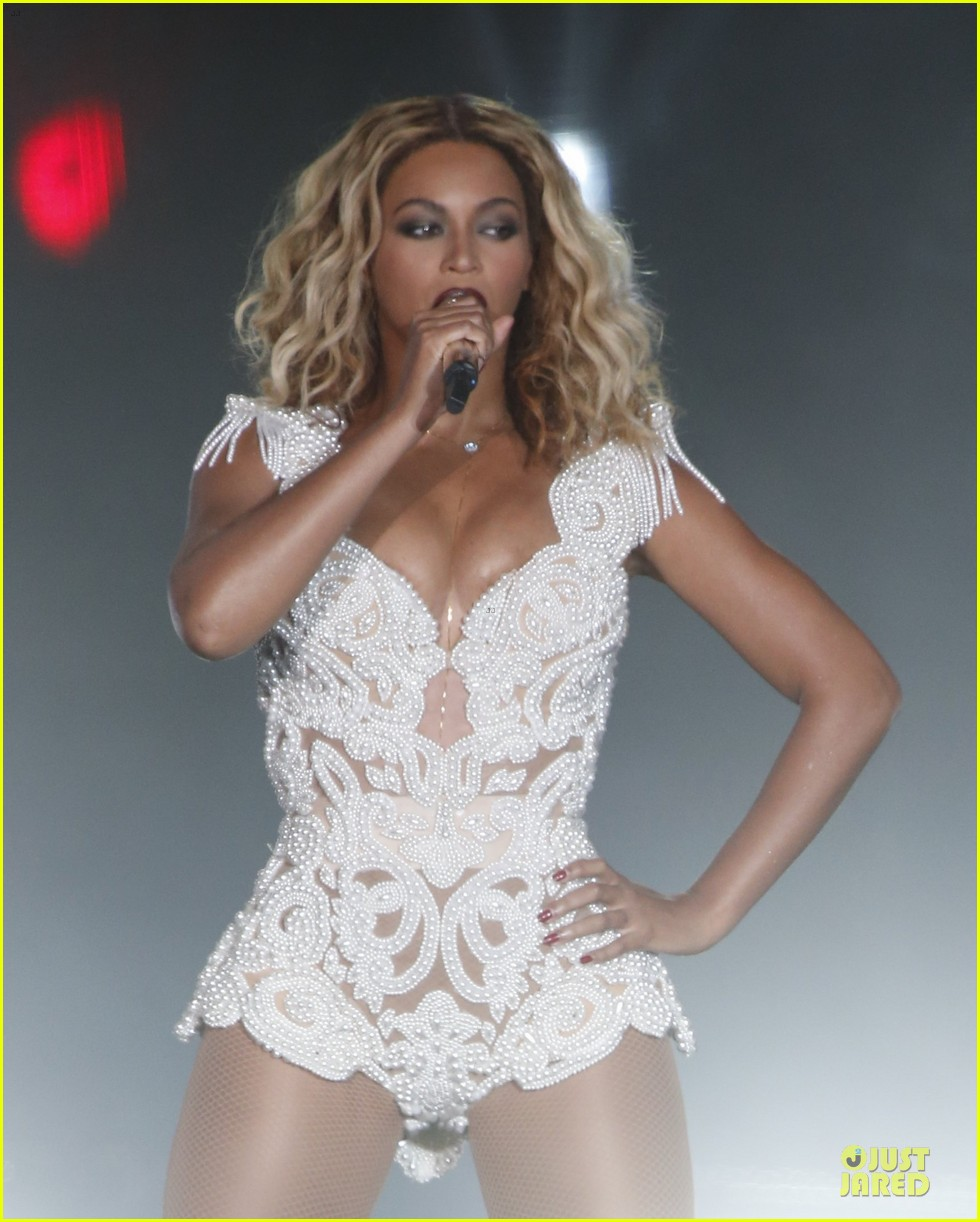beyonce rock in rio opening night performer 042952333