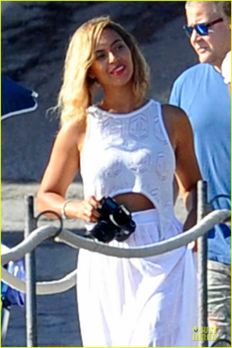 beyonce jay z italian yacht vacation with blue ivy 132945426