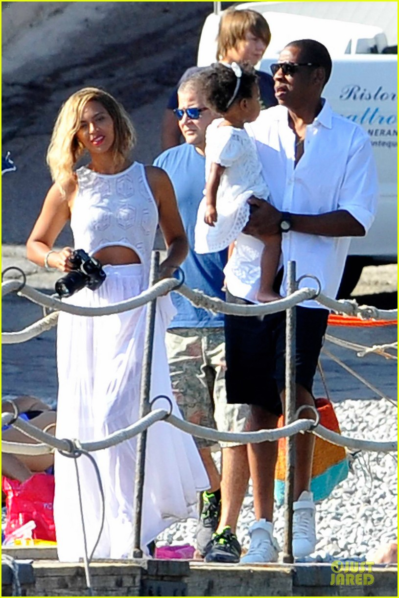 beyonce jay z italian yacht vacation with blue ivy 282945441