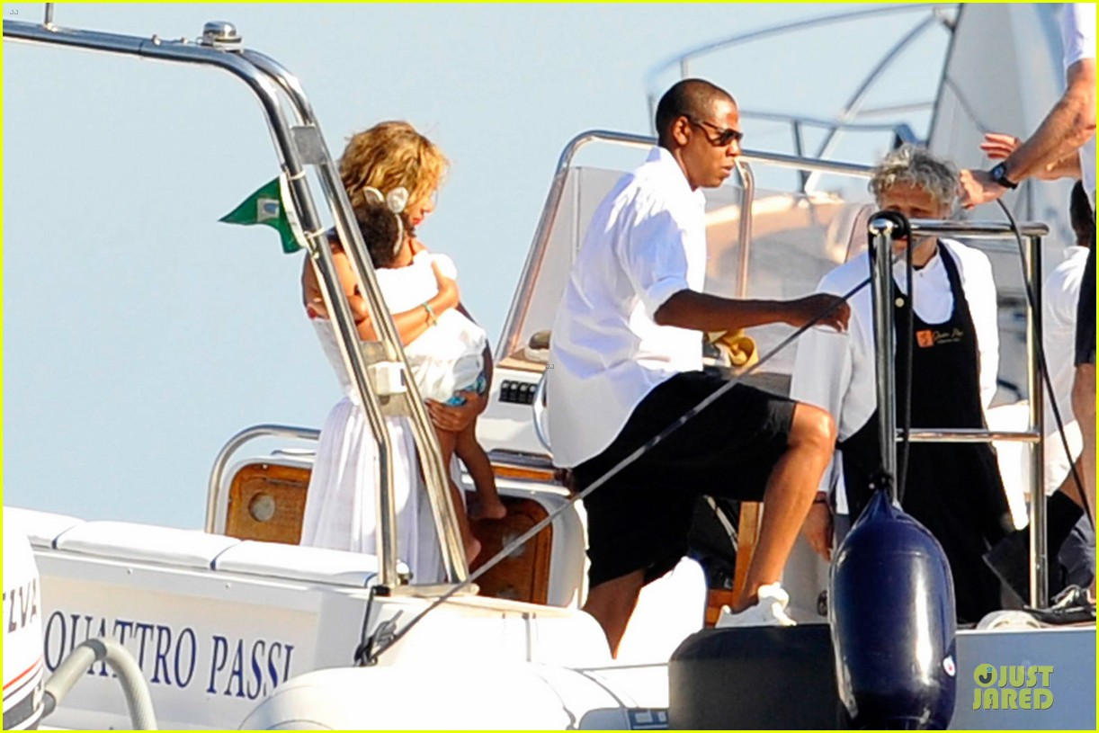 beyonce jay z italian yacht vacation with blue ivy 292945442